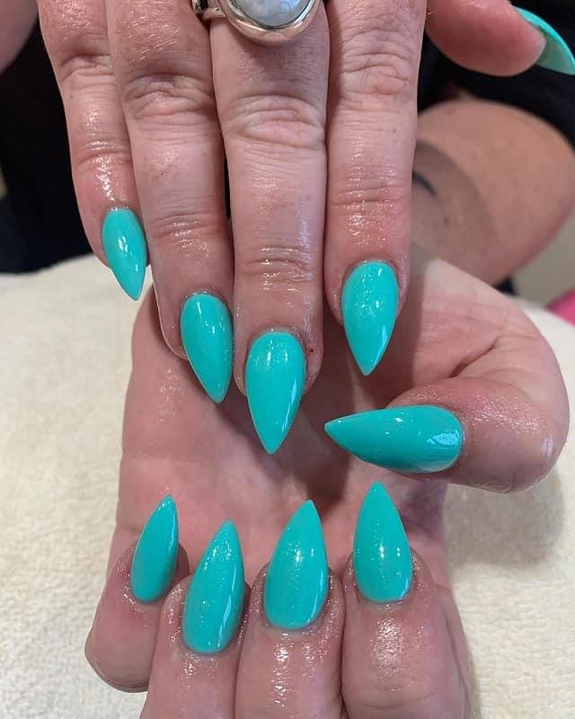 stiletto teal nails