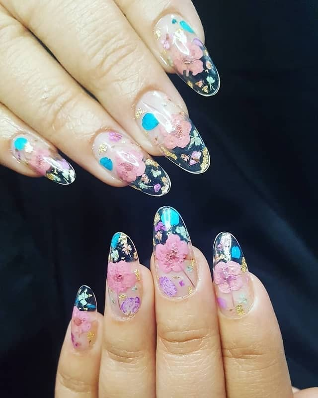 clear nails with flowers