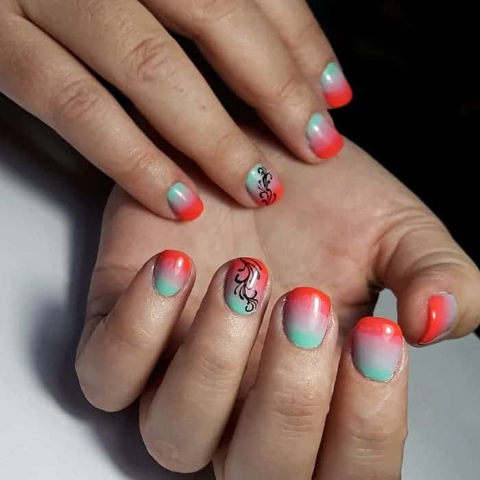 colorful short nails