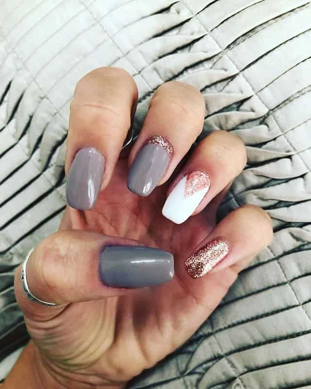 grey and rose gold nails