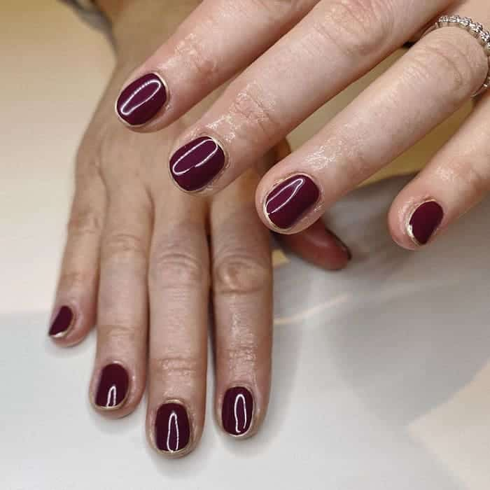 maroon nail color