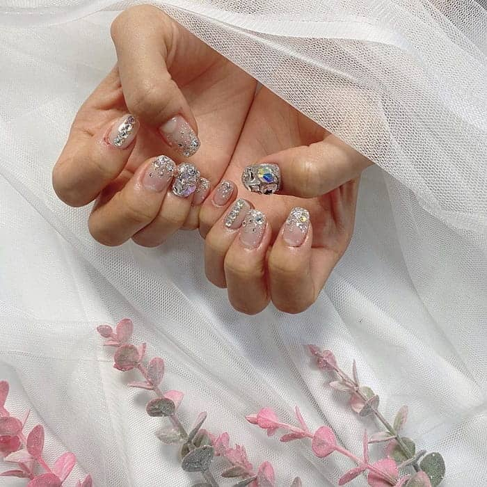 silver nails for wedding