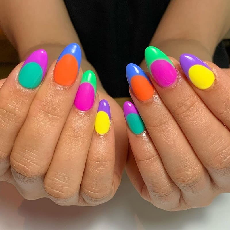 funky tips nail design