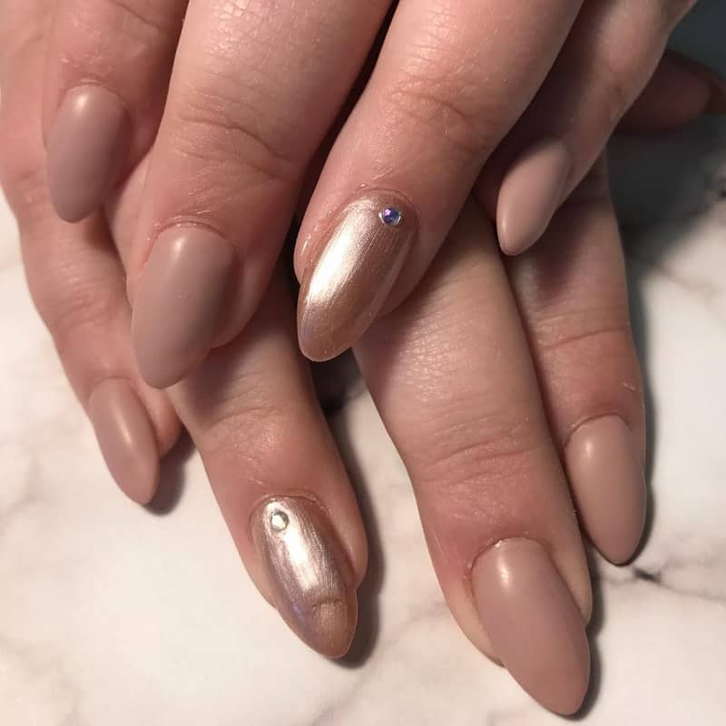 almond shaped nude matte nails