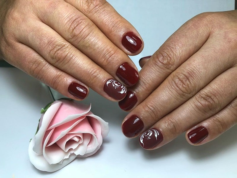 short round burgundy nails